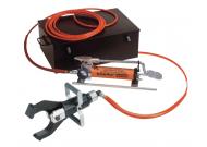 SSG105 Гидравл. устройство для резки  под напряж. до 60 кВ ( до 110 кВ для одной фазы) силовых кабелей диам. до 105 мм, голова откр. типа, шланг 10 м, ножной насос 700 бар, заземление, мет. короб